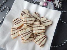 Výborná mandlová srdíčka. Super recept. Mandlová srdíčka Vám určitě zachutná. Mandlová srdíčka vypadají na talíři nádherně a ještě lépe chutnají ... Christmas Cookies, Napkins, Tableware, Advent, Cakes, Xmas Cookies, Dinnerware, Christmas Crack, Towels
