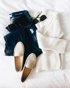Our Favorite Sweater - January 26 2019 at Fall Winter Outfits, Spring Outfits, Autumn Winter Fashion, Winter Wear, Looks Jeans, Casual Outfits, Cute Outfits, Emo Outfits, Look Chic