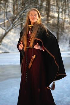 Curonian (Western Latvia, Northern Lithuania) archeological women's outfit, 12-13th century. #Medieval #costume #Europe