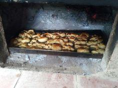 Pan casero en horno de barro