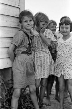 Russell Lee - Daughters of farmers near La Forge Project, Missouri  (1938)