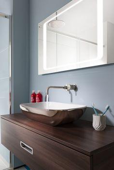 Super sleek & stylish bathrooms - Serene Platinum Basin, Seattle Unit and Bauhaus LED Mirror Bathroom Inspiration, Interior Inspiration, Dream Home Design, House Design, Contemporary Bathroom Designs, Storage Systems, Shower Designs, Led Mirror, Panelling