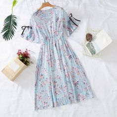 7 colors 2019 new women's chiffon dress print V-neck dress spring and summer ruffled short-sleeved bow dress large size LYJMTDBK 7 colors 2019 women's chiffon dress print V-neck spring summer Women's Clothing Stylish Dresses, Cute Dresses, Fashion Dresses, Midi Dresses, Casual Dresses, Vintage Party Dresses, Vestido Casual, Dress With Bow, Chiffon Dress