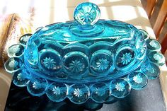Vintage L E Smith Moon & Stars Blue Oval Covered Butter Dish