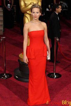 Jennifer Lawrence Trips and Falls on 2014 Oscars Red Carpet Nice Dresses, Formal Dresses, Celebs, Celebrities, Red Carpet Fashion, Celebrity News, Strapless Dress Formal, Fashion News, Peplum Dress
