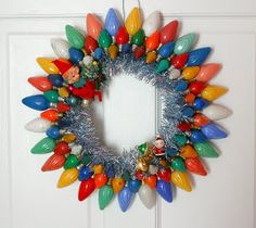 Vintage Christmas Bulb Wreath I love these old lights! I would make it look like this … - Christmas Crafts Vintage Christmas Lights, Christmas Light Bulbs, Decorating With Christmas Lights, Old Christmas, Etsy Christmas, All Things Christmas, Christmas Holidays, Christmas Wreaths, Christmas Decorations
