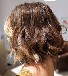 női frizurák félhosszú hajból - félhosszú női frizura