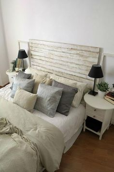 Dormitorio sencillo y muy neutro | Decorar tu casa es facilisimo.com