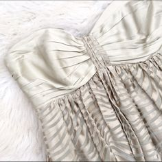 Express zebra silk strapless dress Super chic silk zebra print strapless dress by express. Super transitional! Can be worn with a denim jacket and some cute flats or dressed up with some heels for special occasions or date nights! Great condition! Express Dresses Strapless