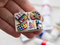 miniature dolls A miniature scale board with art supplies (acrylic paint, tubes, brushes) I can add a magnet on it on demand. If you want me to do so, please choose such an option Cute Polymer Clay, Cute Clay, Polymer Clay Charms, Doll Crafts, Cute Crafts, Diy And Crafts, Miniature Crafts, Miniature Dolls, Clay Miniatures