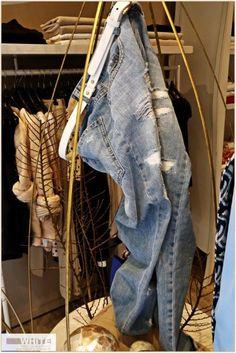 """""""Avrei voluto inventare una sola cosa nella vita: i blue jeans: non c'è nulla di più spettacolare, più pratico, più rilassato e disinvolto. Hanno espressione, modestia, sex appeal, semplicità – tutto ciò che vorrei per i miei vestiti"""". (Yves Saint Laurent) https://www.facebook.com/whitearzignano?ref=hl #modadonna #White #jeans #womanswear #ss15"""