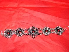 flower chainmaille bracelet. fairly easy