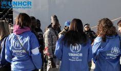 Tre operatrici dell'#UNHCR accolgono i #migranti appena sbarcati nel porto di #Augusta. Con l'arrivo di questa mattina sono già oltre tremila le persone sbarcate in Italia nel 2014.  UNHCR/F. Malavolta www.unhcr.it