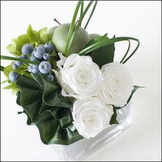 Design Art, Floral Design, White Flower Arrangements, How To Preserve Flowers, Xmas Decorations, Flower Crafts, White Flowers, Centerpieces, Rose