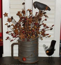 Sifter with some crows & twigs! Primitive Sheep, Primitive Country Homes, Primitive Kitchen Decor, Primitive Fall, Prim Decor, Primitive Crafts, Rustic Decor, Farmhouse Decor, Farmhouse Ideas