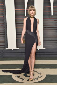 Taylor Swift in Alexandre Vauthier couture at the 2016 Vanity Fair Oscar Party. Photo: Pascal Le Segretain/Getty Images.