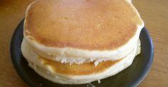 祝100レポ達成⭐本当にありがとうございます^_^ シンプルな米粉のパンケーキです。ふわふわしっとりな食感が最高です。
