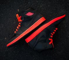 Air Jordan I Mid – Black / Black – Infrared 23