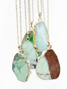 Hey, diesen tollen Etsy-Artikel fand ich bei https://www.etsy.com/de/listing/251739747/amazonite-raw-necklace-slice-necklace