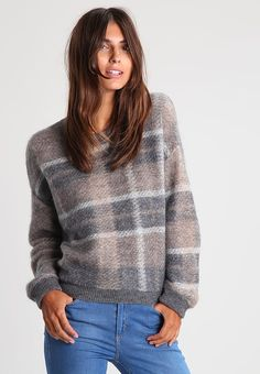 Benetton Jumper - beige for with free delivery at Zalando Benetton, Cute Christmas Jumpers, Beige, Turtle Neck, Sweaters, Shopping, Winter, Style, Fashion