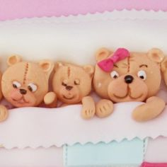 Our teddy border mould used on a 'teddies in bed cake' designed by www.cakecraftshop.co.uk