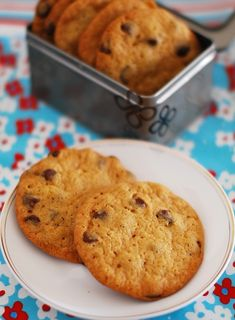 Eggless choc chip cookies