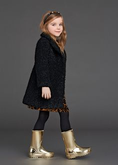 Finding new fashion cloths for your kids? FashionCraze share with you 30 Dolce/Gabbana Kids Fashion wear for Fall/Winter 2016 in UK/USA.