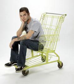 Shopping Cart Chair- i really wana steal a shopping cart now.... :D