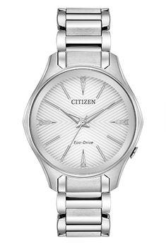 La collection Modena de CITIZEN® est composée de montres conçues pour convenir au style de vie de toutes les femmes, au travail, lors des loisirs, et pour toutes les surprises que la vie leur réserve. Montré avec un boîtier et un bracelet en acier inoxydable et un cadran argenté, ce modèle est doté d'un verre sphérique.