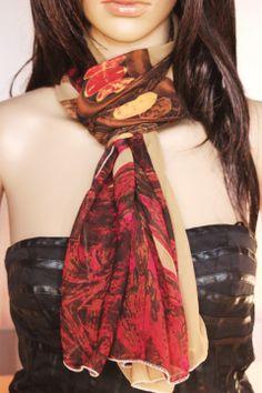 Foulard en mousseline chocolat et fushia imprimé de motifs chics   Echarpe,  foulard, cravate ce0ad7108b9