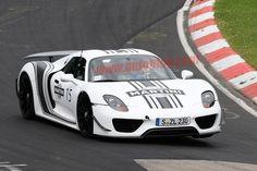 Porsche 918 Spyder in Martini livery spy shot
