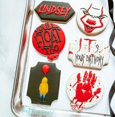 Halloween Cookies Decorated, Halloween Decorations, Decorated Cookies, Scary Movies, Cookie Decorating, Sugar Cookies, Cupcakes, Canning, Watch