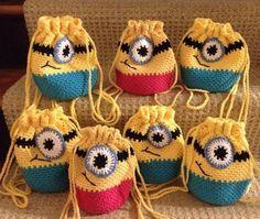 minion pattern Crochet Bags for kids,qanta me grep per femije,crochet for kids, Bead Crochet, Crochet Crafts, Yarn Crafts, Crochet Hooks, Crochet Projects, Crochet Handbags, Crochet Purses, Crochet For Kids, Crochet Baby