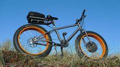 titanium fat bike with electric drive. Titan Fat Bike mit Elektroantrieb