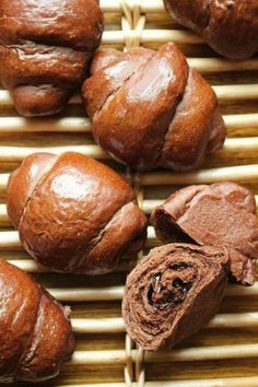 Japanese Chocolate, Japanese Bread, Bread Rolls, Daily Bread, Diy Food, Food Photo, Nutella, Kids Meals, Bread Recipes