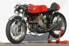 Honda RC166 - the master of all motorcycles!