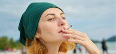 Los hechizos con cigarro emplean el humo y el aire como medios para alcanzar al ser amado o influir en determinada persona.