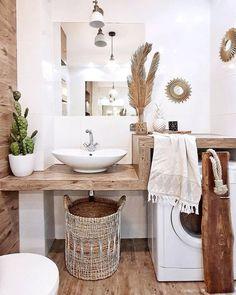 Beautiful master bathroom decor tips. Modern Farmhouse, Rustic Modern, Classic, light and airy master bathroom design some a few ideas. Master Bathroom makeover a few ideas and bathroom remodel tips. Bad Inspiration, Bathroom Inspiration, Bohemian Bathroom, Parisian Bathroom, Beach Bathrooms, Master Bathrooms, Luxury Bathrooms, Modern Bathrooms, Rustic Bathrooms