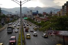 Antes del día sin carro 2012 en Medellín. Lugar: Av 33, hacia la 80. Fecha: 19 de abril de 2012 - 5:10pm