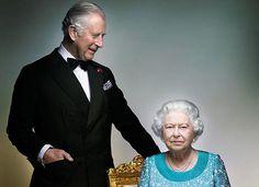 Королева Елизавета II с сыном позировали для снимка в честь юбилея http://joinfo.ua/showbiz/1190866_Koroleva-Elizaveta-II-sinom-pozirovali-snimka.html  Королева Елизавета II не так давно отпраздновала свое 90-летие и мы имеем возможность посмотреть снимки в честь юбилея королевы.Королева Елизавета II с сыном позировали для снимка в честь юбилея, подробнее...