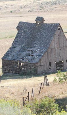 Barn,love this pic.Want to paint it. Not the barn,on canvas :)