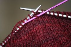 KNITTING: Invisible short rows - photo tutorial from Moth Heaven. Knitting Short Rows, Knitting Help, Knitting Stiches, Knitting Socks, Knitting Patterns, Sewing Patterns, Easy Knitting Projects, Knitting Tutorials, How To Purl Knit