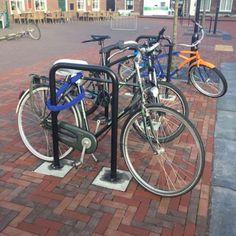 In het centrum van Druten zijn 65 op maat gemaakte fietsaanleunbeugels geplaatst. Om, Bicycle, Vehicles, Bicycle Kick, Bike, Trial Bike, Bicycles, Vehicle, Tools