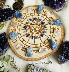 Crystal Mandala, Crystal Grid, Crystals And Gemstones, Stones And Crystals, Pagan Decor, Crystal Aesthetic, Pottery Painting Designs, Wood Burning Crafts, Witch Aesthetic