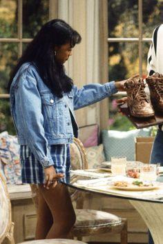 Take a trip down memory lane to revisit the amazing style of Hilary and Ashley Banks on The Fresh Prince of Bel-Air. Bank Fashion, Fashion Tv, Star Fashion, Ladies Fashion, Hijab Fashion, Fashion Outfits, Fashion Trends, Black 90s Fashion, Retro Fashion