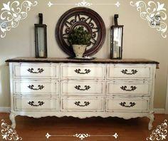 Homemade Vintage Dresser Chalk Paint Ideas   Vintage Dresser Makeover by DIY Ready at http://diyready.com/16-more-diy-chalk-paint-furniture-ideas/