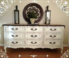 Homemade Vintage Dresser Chalk Paint Ideas | Vintage Dresser Makeover by DIY Ready at http://diyready.com/16-more-diy-chalk-paint-furniture-ideas/
