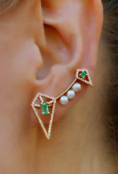 Constellation emerald ear pin