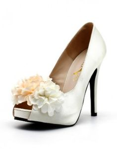 Bouquet of Love White V2 ~ By: Christy Ng http://www.wedding.com.my/category-accessories-and-shoes/2