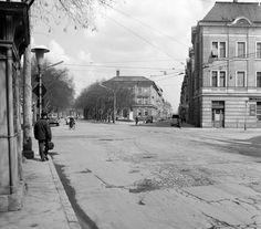 Tisza Lajos (Lenin) körút és a Feketesas (Bajcsy Zsilinszky) utca a Dugonics térről nézve. Utca, Hungary, Budapest, Street View, Outdoor, Outdoors, Outdoor Games, The Great Outdoors